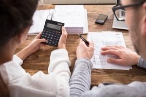 Der Beratungshilfeschein macht juristisches Fachwissen auch für Geringverdiener erschwinglich.