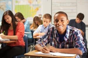 Durch das Bildungspaket kann per Antrag eine Klassenfahrt finanziert werden.