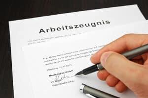 Jede Formulierung im Arbeitszeugnis sollte genau begutachtet werden.