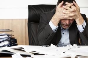 Verzweifelt? Beim Hartz-4-Antrag und den Unterlagen kann Ihnen Ihr Jobcenter helfen.