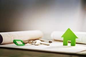 Hartz-4-Bezug bei einem Eigenheim: Eine angemessene Größe darf vom Jobcenter nicht als verwertbares Vermögen angerechnet werden.