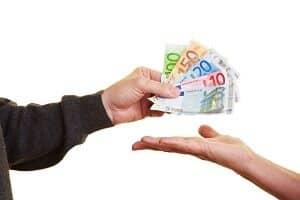 Was zählt bei Hartz-4-Empfängern zum Einkommen?