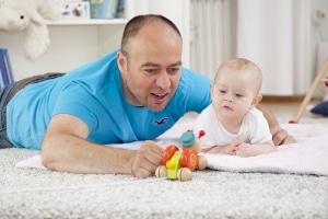 Viele Alleinerziehende beziehen Hartz 4 während der Elternzeit.