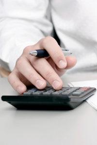 Möchten Sie bei Ihrem Hartz 4 Gehalt anrechnen, müssen viele Faktoren beachtet werden