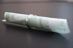 Hartz 4 und heiraten: Geld für die Kosten der Hochzeit kann angespart werden.