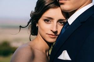 Können Sie trotz Hartz-4-Bezug heiraten? Hier lesen Sie mehr dazu.