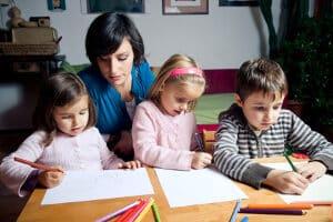 Kinder bilden mit ihren Eltern erst eine Haushaltsgemeinschaft bei Hartz-4 ab beziehungsweise über 25 Jahren.