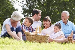 Eine Haushaltsgemeinschaft besteht aus verwandten oder verschwägerten Personen, die gemeinsam leben und wirtschaften.