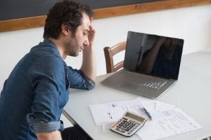 Die Höhe vom Arbeitslosengeld 1 wird individuell berechnet und richtet sich nach dem Einkommen des Antragstellers