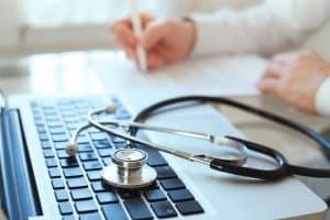 Für Aufstocker wird die Krankenversicherung nicht vom Jobcenter getragen.