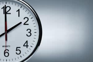 Bei einer Leiharbeit oder Zeitarbeit werden Arbeitnehmer an unterschiedliche Arbeitgeber verliehen