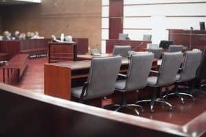 Zu den Prozesskosten zählen sowohl Gerichtskosten als auch außergerichtliche Kosten.