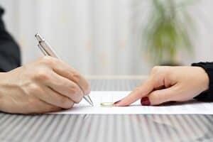 Kosten für die Scheidung: Nicht die Prozesskostenhilfe springt ein, sondern die Verfahrenskostenhilfe.
