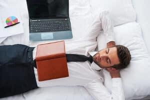 Gut zu wissen: Eine Umschulung kann beim Arbeitsamt geltend gemacht werden
