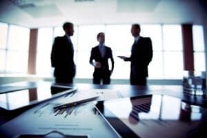 Eine Weiterbildung kann unter anderem betriebsintern stattfinden.