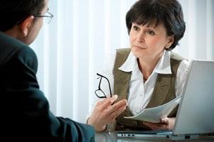 Die Wiedereingliederungshilfe der Arbeitsagentur wird in der Eingliederungsvereinbarung festgehalten.