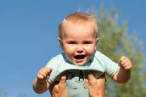 Ein Zuschuss der Erstausstattung für ein Baby kann auch vom Sozialamt bezogen werden